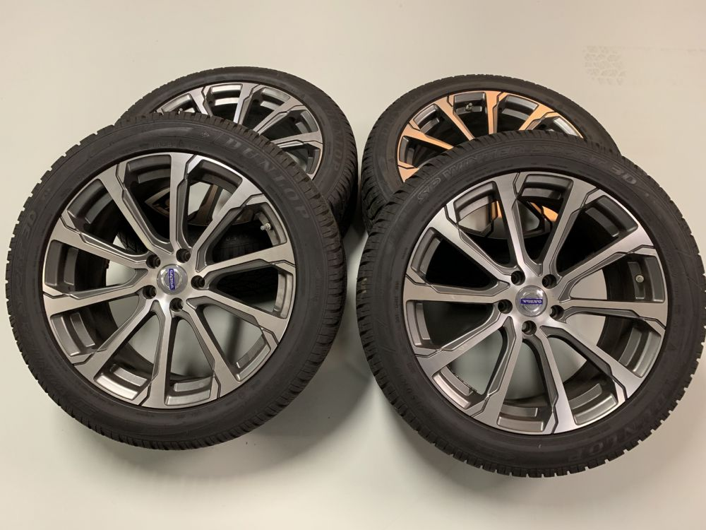 Volvo V90 winterbanden set met 235/50-19 Dunlop