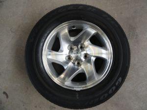 Mazda Tribute velgenset Steek 5 x 114,3 met 215/70-16 Goodyear Zomerbanden
