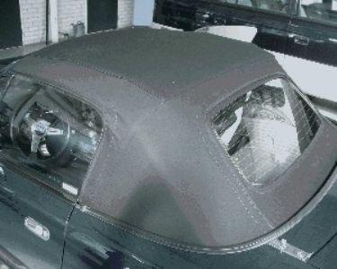Zwarte stoffen softtop met glazen achterruit